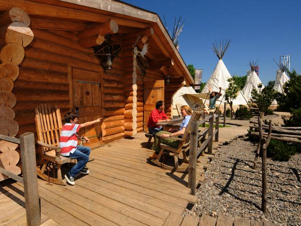 Blokhutten en tipi's op het Camp Resort