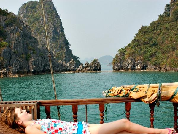 Chillen in Halong bay, Vietnam