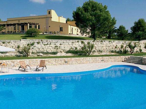 Zwembad bij Masseria Panareo