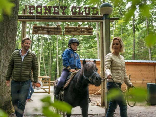 Pony rijden bij Les Bois-Francs