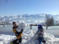 Dolle pret in de sneeuw