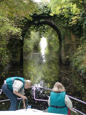 Varend in Centraal Ierland kom je langs de mooiste plekjes