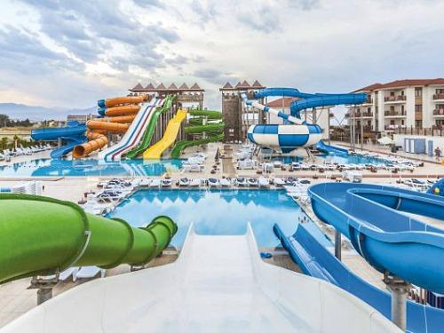 Eftalia Aqua Resort glijbanen