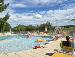 Zwembad bij Domaine de Lanzac