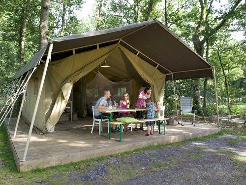kleine knusse Camping Les Chelles, Auvergne
