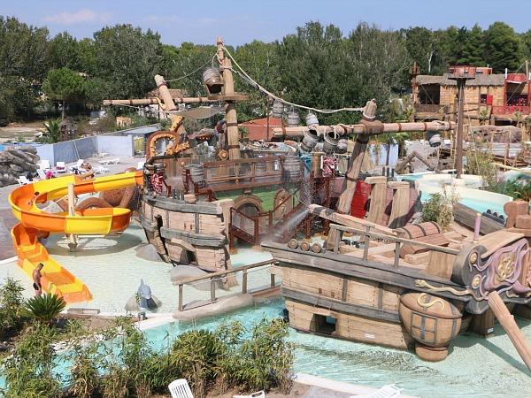 piratenschip in zwembad