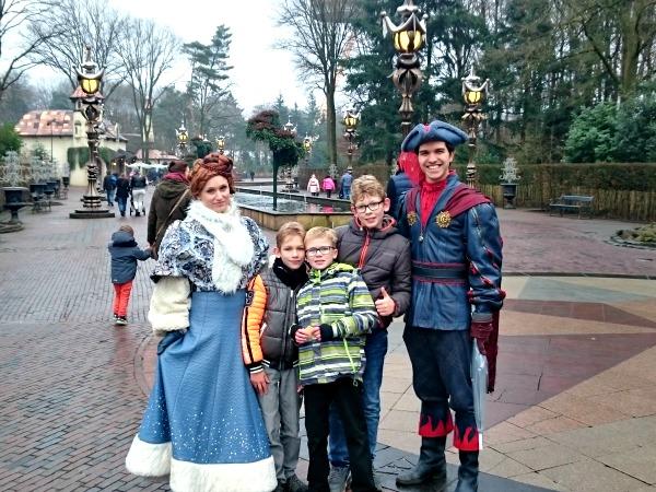 op de foto met de prins en prinses in de Efteling