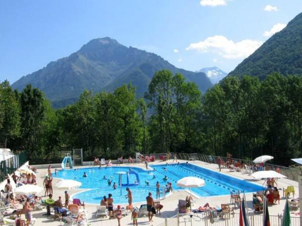 Het zwembad van Camping Valle Gesso