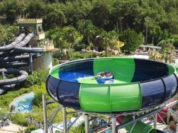 Hotel Aqua Fantasy trechterglijbaan