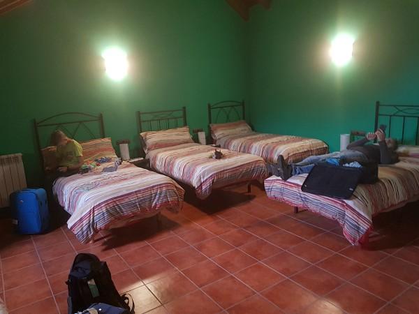 relaxen in de 4 persoons-slaapkamer van Casa Bellera