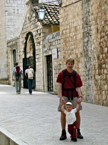 Zeb z'n eerste stapjes in Dubrovnik