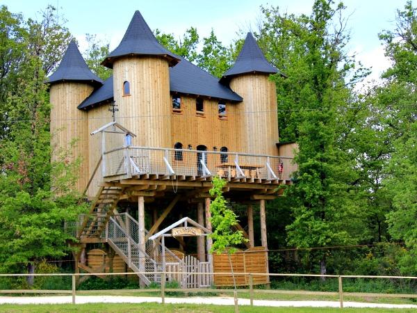 Mooi boomhut-kasteel