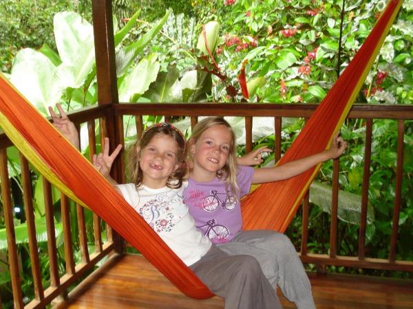Relaxen in een hangmat in de natuur van Costa Rica