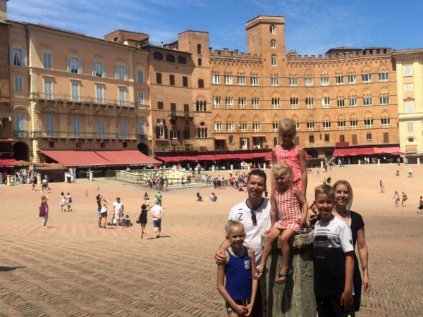 Het beroemde Piazza del Campo in Sienna