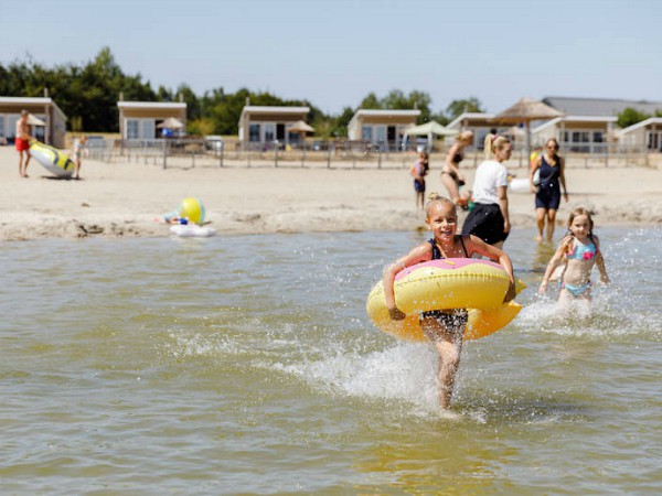 RCN Zeewolde heeft mooie huisjes aan het Veluwemeer