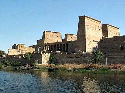 De tempel van Philae vanaf de Nijl gezien