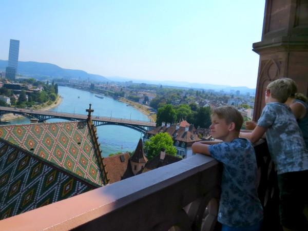 Uitzicht vanaf de Münster kathedraal in Basel