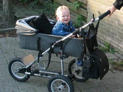 Onze baby wilde al snel zitten in de kinderwagen