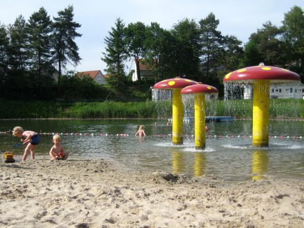 Zwemvijver bij resort Arcen