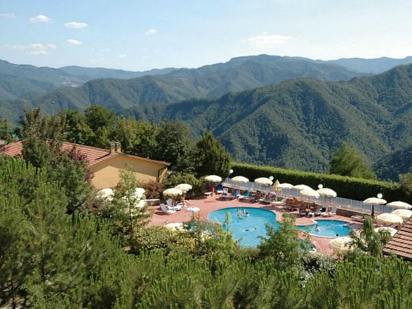 Uitzicht vanaf vakantiepark Antico Borgo I Cancelli