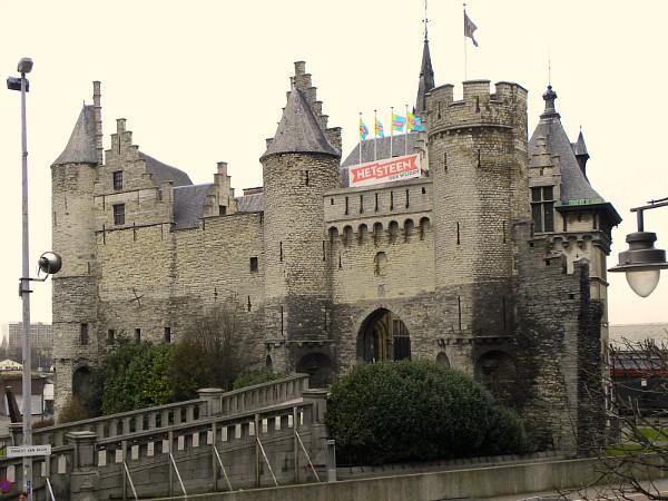 Het Steen, het oudste gebouw van Antwerpen