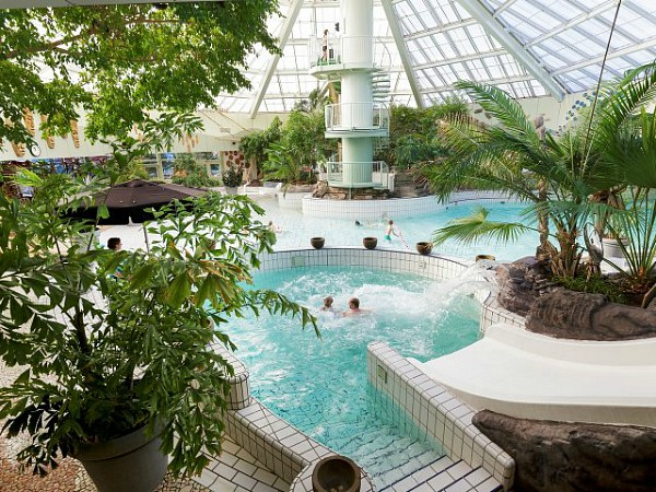 Het subtropisch zwembad Aqua Mundo bij Centerparcs park Zandvoort
