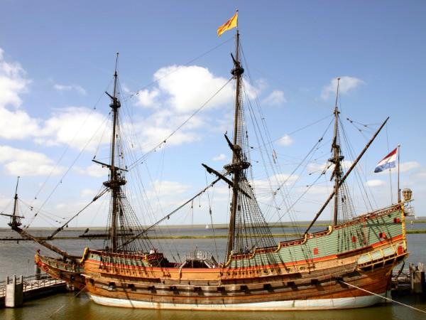 De Batavia in de scheepswerf in Lelystad