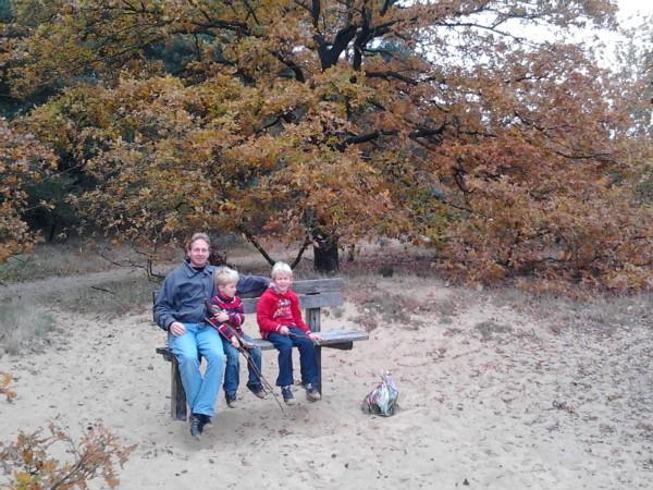 rusten tijdens de wandeling op de zandverstuiving