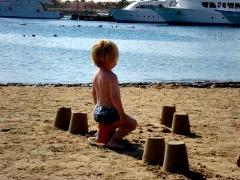 Luxe boten bij het strand in de Loirestreek