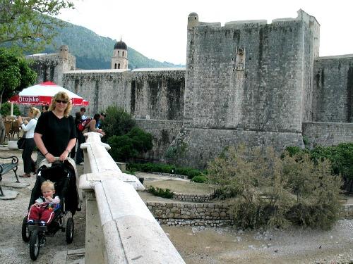 Met de wandelwagen bij Dubrovnik
