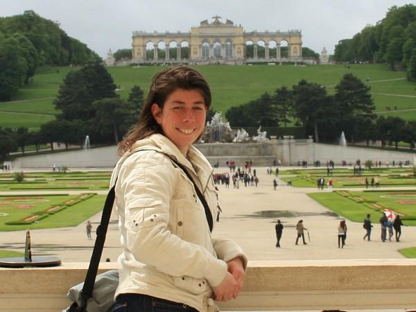 Cindy bij Slot Schönbrunn in Wenen