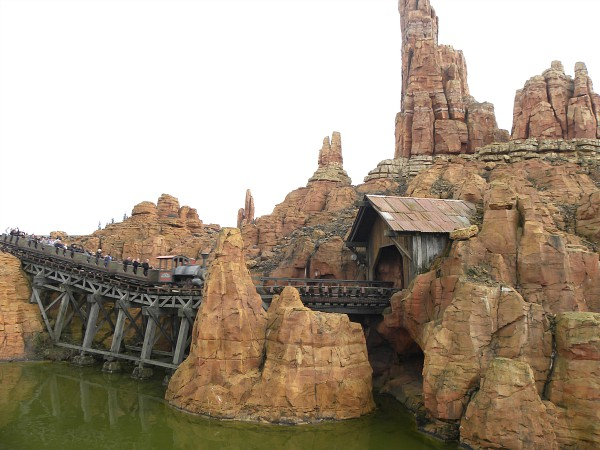 Big Thunder Mountain achtbaan in Disneyland Paris