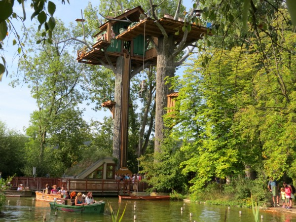 De bootjes en Donnersbalken attractie in Tripsdrill
