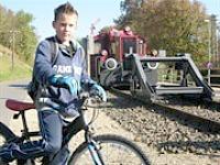 Fietsen over en langs oude spoorbanen