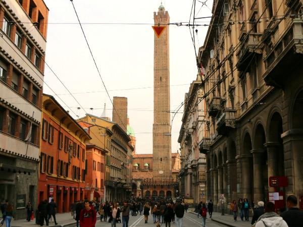 Duo Torri, een grote en een kleine in Bologna