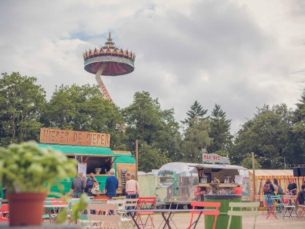 efteling midsummer festival pagoda