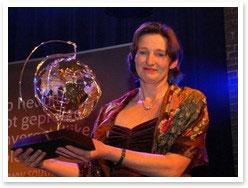 Ellen met de award voor beste informatieverstrekker