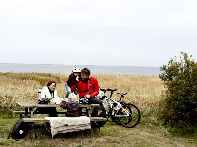 Even pauze tijdens een prachtige fietstocht in Denemarken