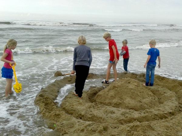 Houdt het fort de vloedgolf op het strand van Noordwijk?