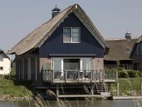 Prachtige huisjes bij Beach Resort Makkum
