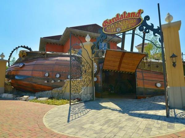 Ingang van het Gardaland Adventure Hotel