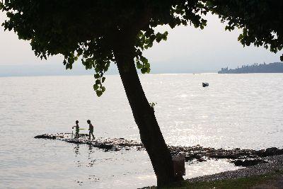 Spelen bij het Gardameer
