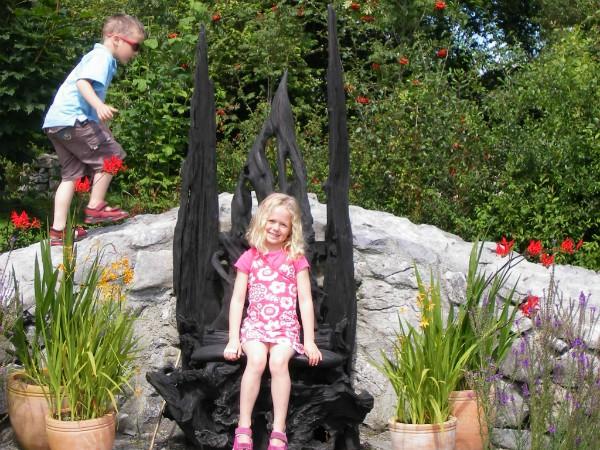Lekker spelen in een Keltische tuin