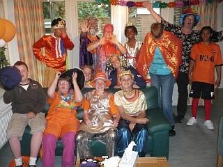 Oranjefeestje bij Stichting Roos