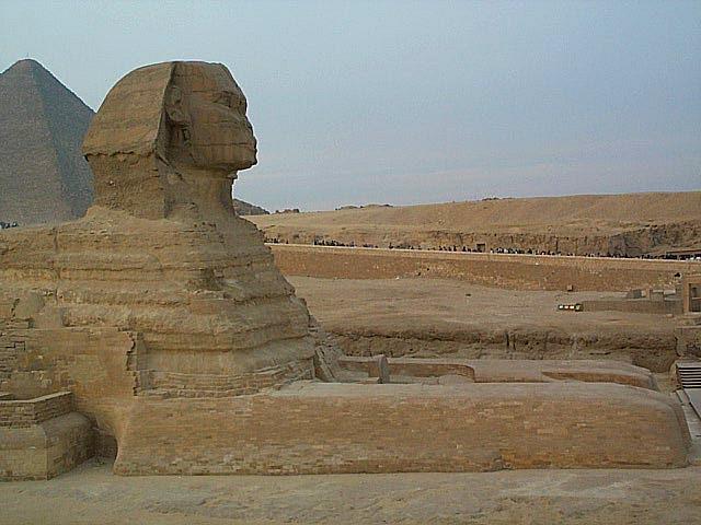 De sfinx bij de piramides van Gizeh