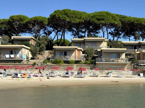 bungalows met uitzicht op zee in toscane