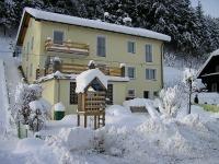 Haus Kathan in de sneeuw