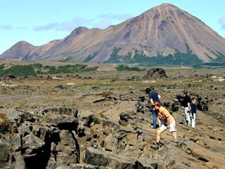 Wandelen in IJsland is voor de kids heel fascinerend