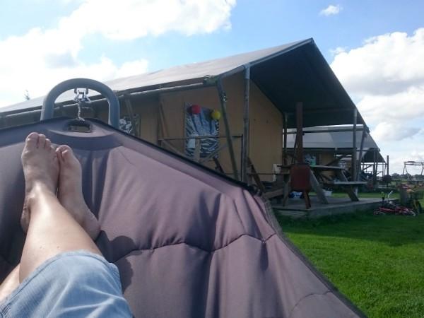 Glamperen met kinderen in een luxe tent