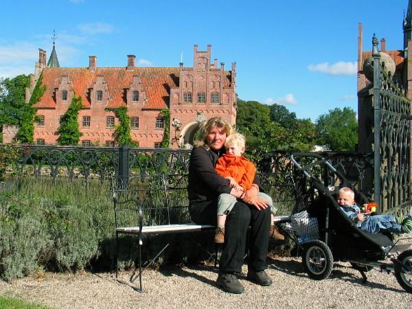 In de sprookjesachtige tuinen van kasteel Egeskov op Funen